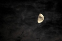 lune nuageuse
